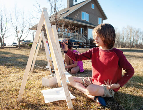 DIY Easy Kid's Easel