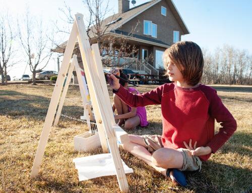 DIY Easy Kid's Easel